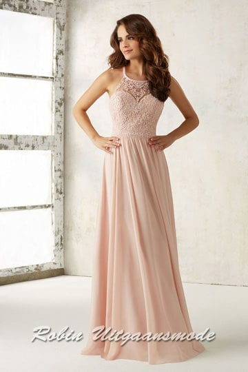Flowy chiffon evening dress with embroidered bodice in light pink. | modelnr g-mo2-42