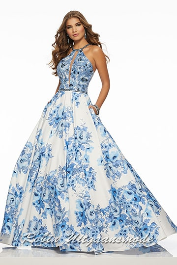 Joyful flared evening dress with a blue floral pattern, the fully beaded bodice features a high neck with illusion V-keyhole | modelnr g-mo2-49