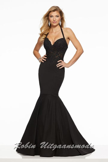 Black glamour prom dress in a mermaid model, the tight bodice with halter straps is accented in beaded lace appliqués | modelnr g-mo2-56