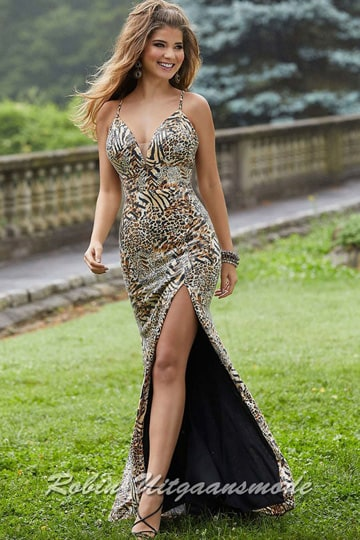 Sexy glamour prom dress in a beautiful tiger print, with a deep V-neckline, a high slit and a low back | modelnr g-mo2-64