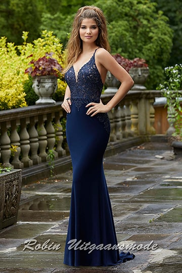 Luxurious navy evening dress with a small train and lace bodice which is beaded with beautiful stones | modelnr g-mo2-67