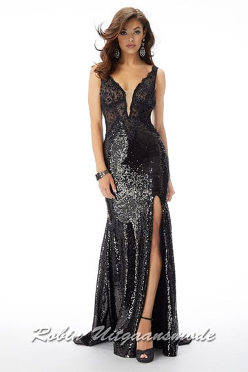 Fitted glamour prom dress with a deep-cut bodice, decorated with small sequins, a low open back and high slit | modelnr g-mo2-75