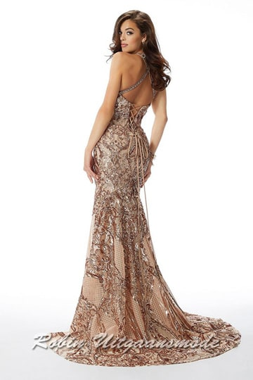 Glamoureus fit to flare prom dress with glittering sequins and sequins, a high halter neckline and small train | modelnr g-mo2-77