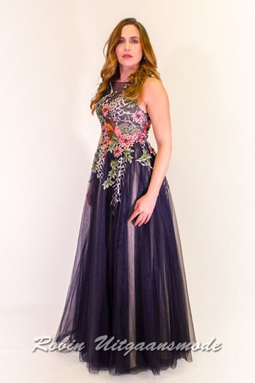 Black tulle evening dress with playful floral print on the high-cut bodice and a flary long skirt | modelnr g-n2-102