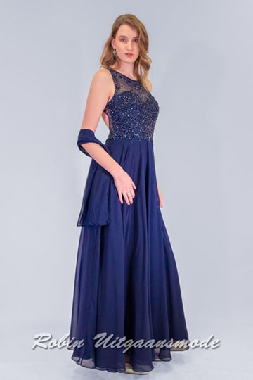 Dark blue evening dress with chiffon skirt and a high neckline, the bodice is decorated with coloured beads and has a half-open back | modelnr g-n2-111