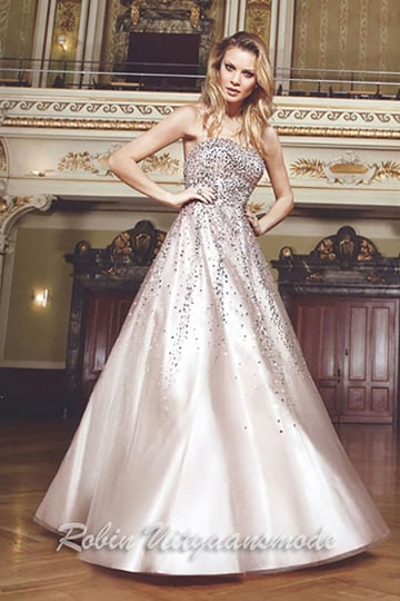 Strapless wedding dress with beaded bodice and tule skirt | modelnr g-n2-33
