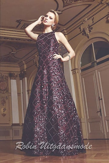 Elegant shimmering evening dress with beaded squares in Bordeaux red and black | modelnr g-n2-34