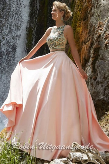 CBeautifully long pink prom dress with embroidered bodice and high neck line | modelnr g-n2-40