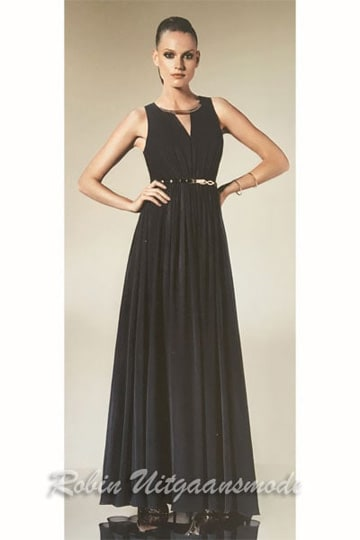 Flary black evening dress with small keyhole neck bodice and shining waistband. | modelnr g-n2-49