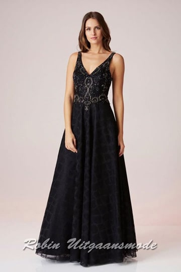 Black flared evening dress with V-neck bodice and narrow straps | modelnr g-n2-66