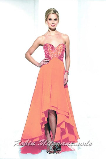 High-low prom dress with ruffles and a heart-shaped strapless bodice, beaded with little stones | modelnr g-u2-121