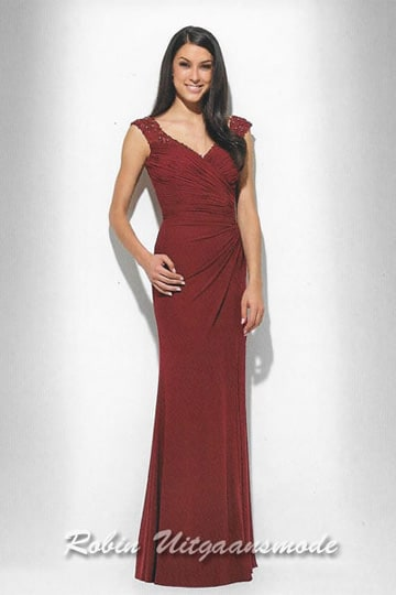 Stylish dark red evening dress with a draped V-neck and lace shoulder straps | modelnr g-u2-13-rood