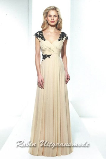 Beautiful cream evening dress with black embroidered applications on the shoulders and waist | modelnr g-u2-136