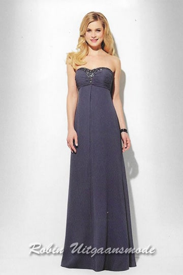 Elegant navy-blue evening dress features a strapless top with beaded lines around the bustlines  | modelnr g-u2-155