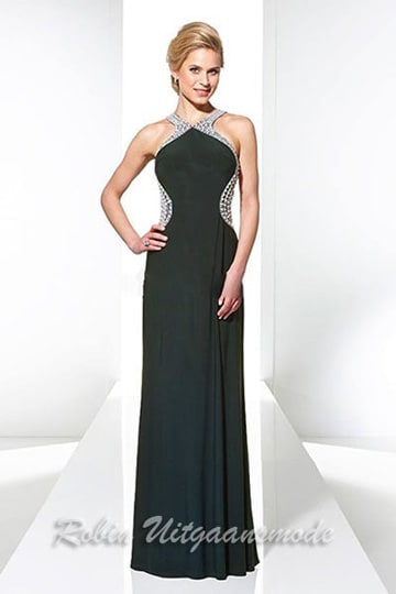 Long black evening gown with a high neckline and open back, the edges of the bodice are beaded with sequins | modelnr g-u2-179