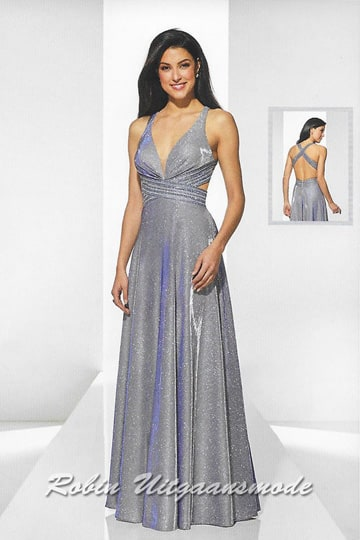 Blue-grey evening dress with a deep V-neckline, the straight shoulder straps cross over the low back. | modelnr g-u2-186