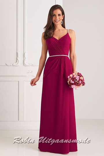 Long evening dress with a slightly pleated bodice, a modest V-neck, narrow shoulder straps and waistband | modelnr g-u2-188