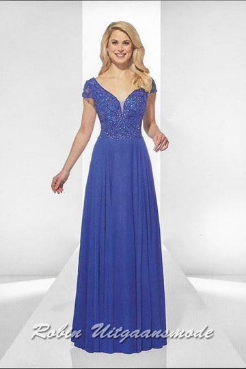 Stylish long evening dress decorated with beads, a heart-shaped V-neck and wide shoulder straps with lace cap sleeves | modelnr g-u2-189
