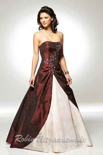 Two-tone strapless evening dress with a wide flared skirt in burgundy and white | modelnr g-u2-2