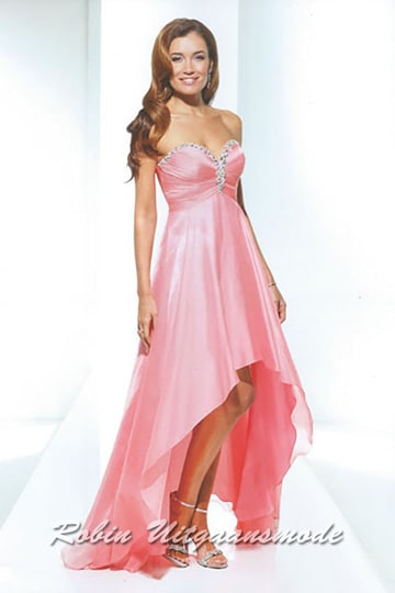 High-low pink prom dresses with beaded strokes along the strapless buster | modelnr g-u3-10