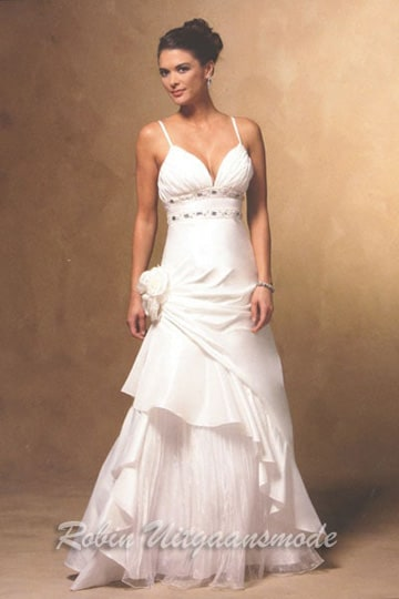 Cheap white evening dress features a V-neck with spaghetti straps and a layered skirt | modelnr g-u2-11