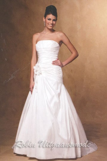 Strapless wedding dress with a wide skirt for 98 euro | modelnr g-u4-8