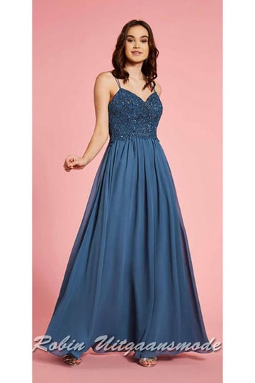 Long prom dress with a flowy chiffon skirt, the heart shape bodice is finely finished with beads and stones | modelnr g-ul2-66